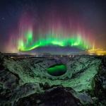 Un'aurora variopinta in Islanda