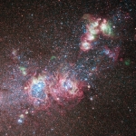 NGC 4214: Una Fucina di Nuove Stelle