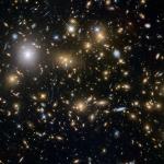 Un ammasso di galassie ultra pesante