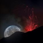 La Luna e l'Etna