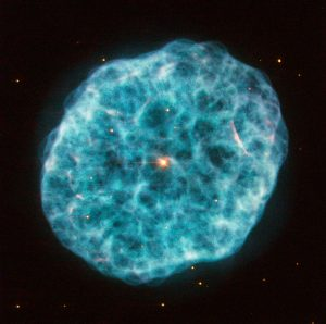 hubble_views_a_cosmic_oyster_and_pearl_in_ngc_1501_article_mob