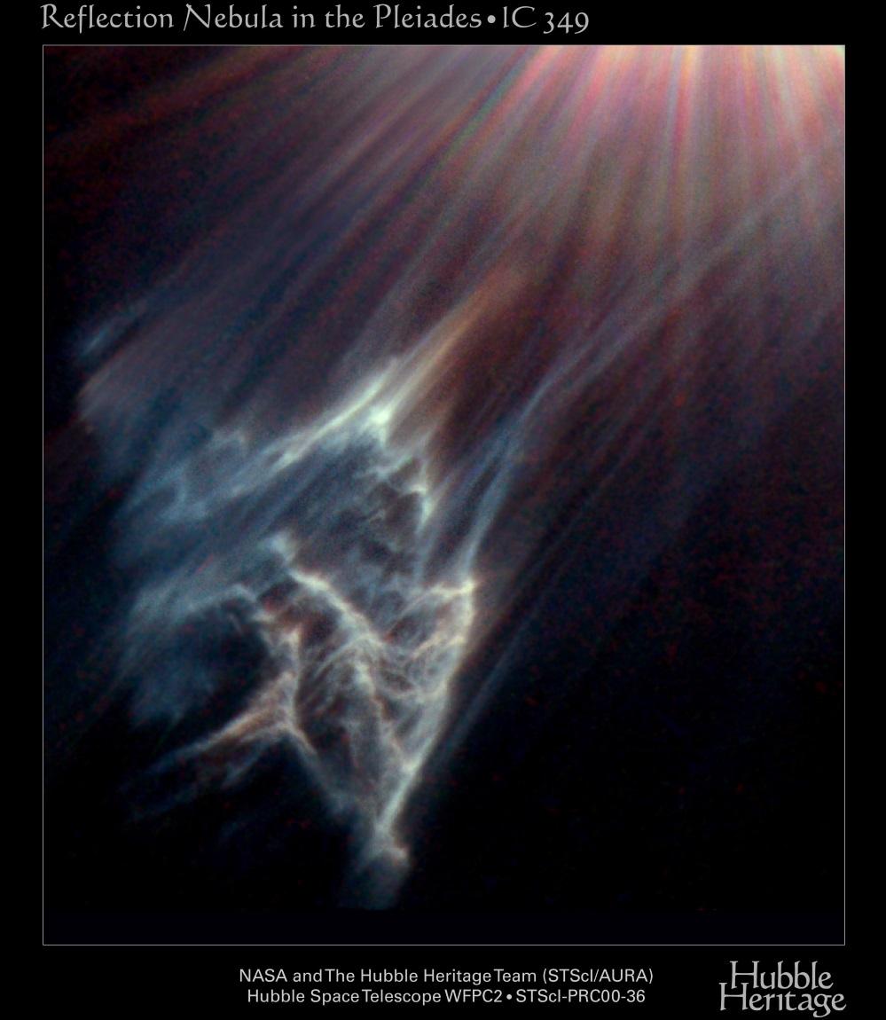 Nube interstellare IC349 ripresa dall'Hubble Space Telescope. Merope è fuori dal campo, responsabile della raggiera colorata in alto a destra (artefatto prodotto nelle ottiche del telescopio). Credits: NASA and The Hubble Heritage Team (STScI/AURA).